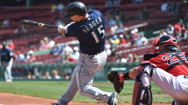 Seattle Mariners third baseman Kyle Seager (15)