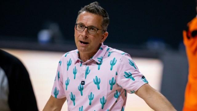 Connecticut Sun head coach Curt Miller