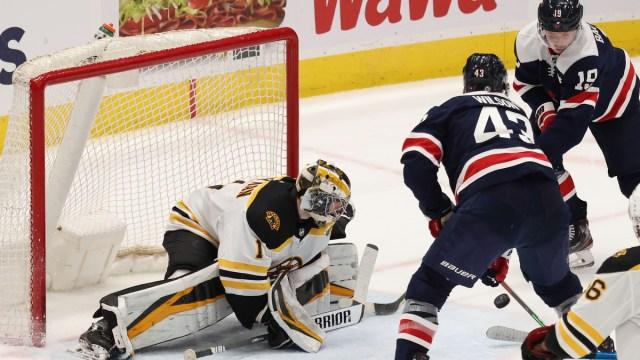 Boston Bruins goaltender Jeremy Swayman