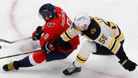 Bruins defenseman Jeremy Lauzon
