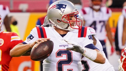 New England Patriots quarterback Brian Hoyer