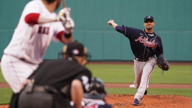 Atlanta Braves starting pitcher Charlie Morton