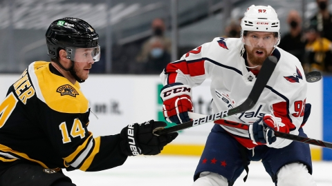 Washington Capitals forward Evgeny Kuznetsov, Boston Bruins forward Chris Wagner