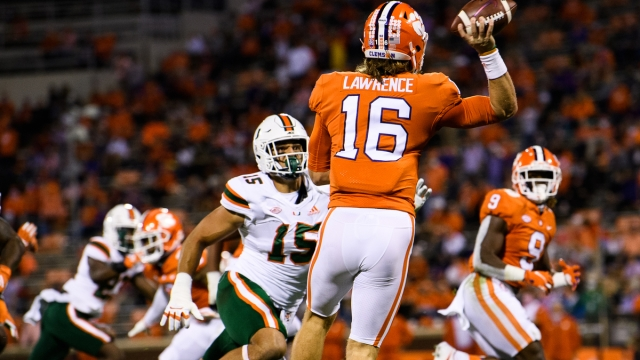 Miami Dolphins defensive line Jaelan Phillips