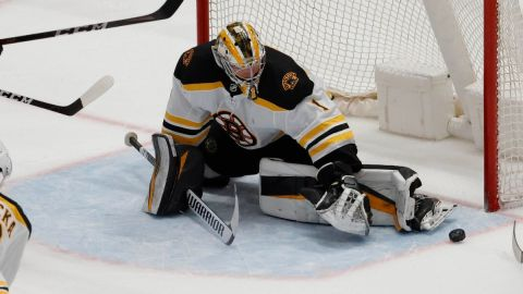 Boston Bruins goalie Jeremy Swayman