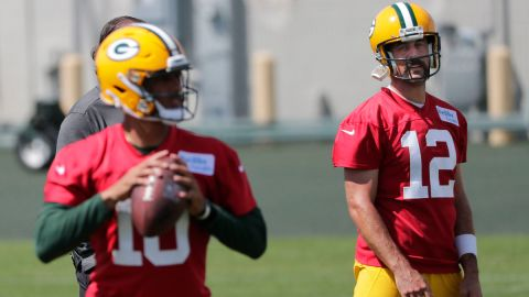 Green Bay Packers quarterbacks Jordan Love and Aaron Rodgers