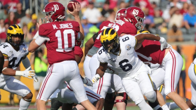 Michigan linebacker Josh Uche