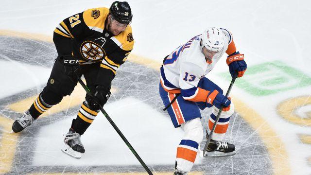 Bruins forward Nick Ritchie, Islanders forward Mathew Barzal