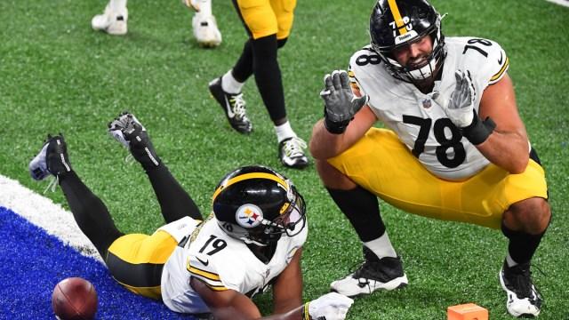 Pittsburgh Steelers wide receiver JuJu Smith-Schuster, Baltimore Ravens offensive tackle Alejandro Villanueva