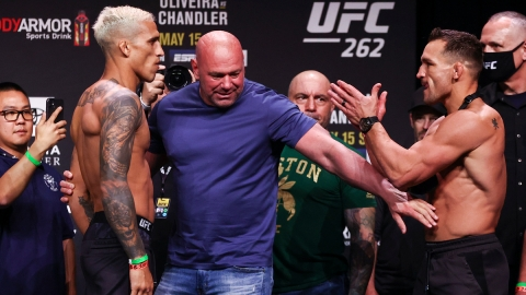 UFC fighters Charles Oliveira, Dana White, Michael Chandler