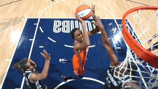 CT Sun guard DeWanna Bonner