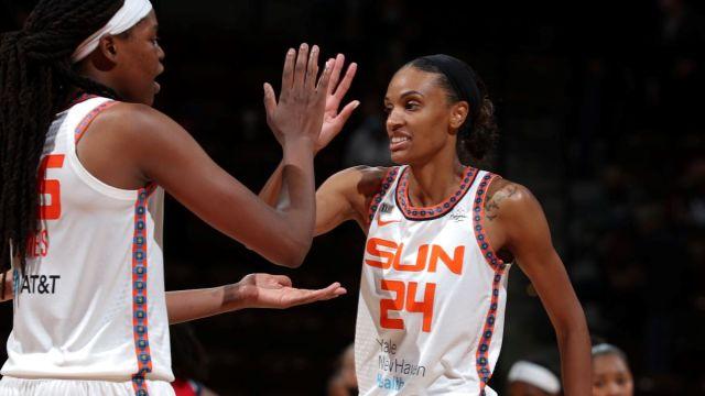 CT Sun players DeWanna Bonner and Jonquel Jones