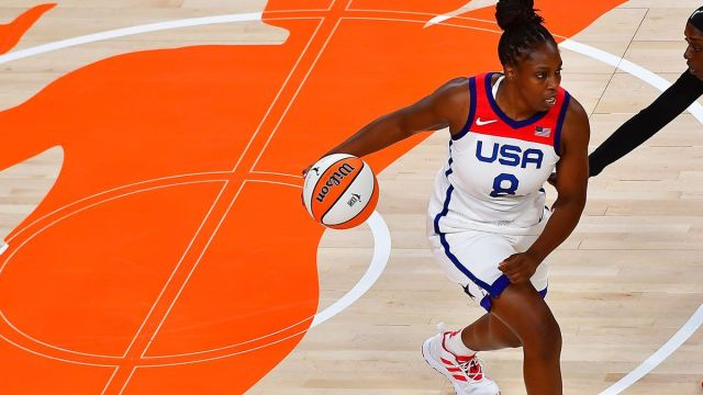 Team USA guard Chelsea Gray