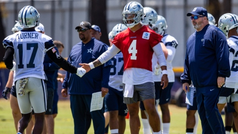 Dallas Cowboys head coach Mike McCarthy, quarterback Dak Prescott (4)
