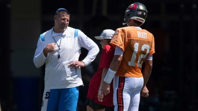 Tennessee Titans head coach Mike Vrabel and Tampa Bay Buccaneers quarterback Tom Brady