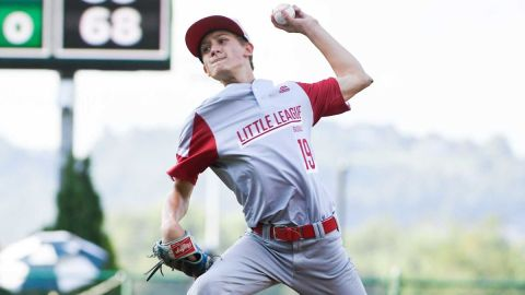 Little League pitcher Gavin Weir