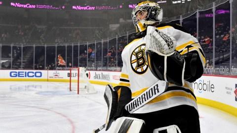Boston Bruins goalie Jeremy Swayman