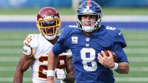 Washington Football Team cornerback Kendall Fuller and New York Giants quarterback Daniel Jones