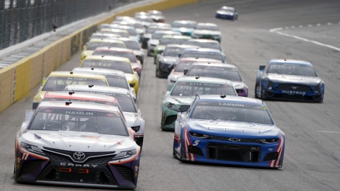 NASCAR Las Vegas: Kyle Larson, Denny Hamlin