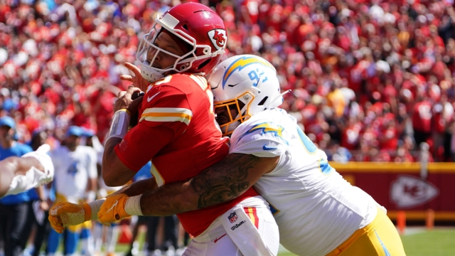 Kansas City Chiefs quarterback Patrick Mahomes, Los Angeles Chargers defensive lineman Justin Jones