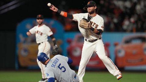 Los Angeles Dodgers shortstop Corey Seager and San Francisco Giants shortstop Brandon Crawford