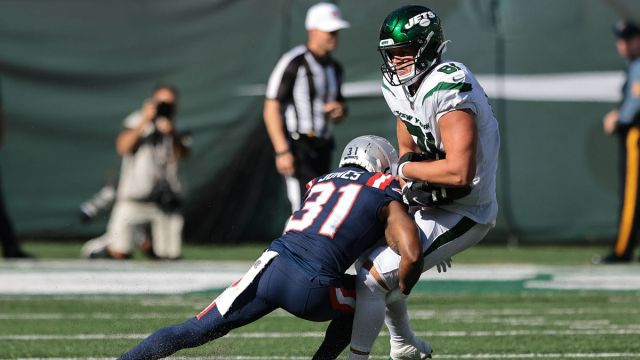 New England Patriots cornerback Jonathan Jones