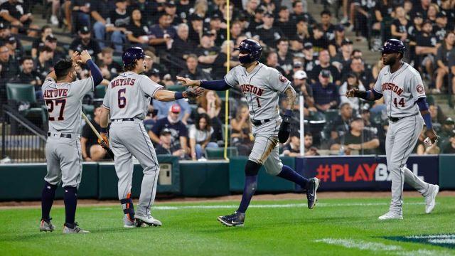 Houston Astros second baseman José Altuve and shortstop Carlos Correa