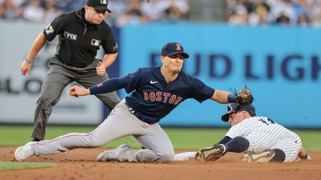 Boston Red Sox utility player Kiké Hernández, New York Yankees' Brett Gardner
