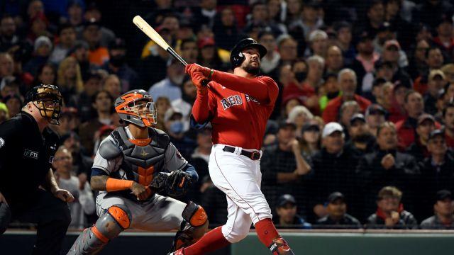 Red Sox infielder Kyle Schwarber