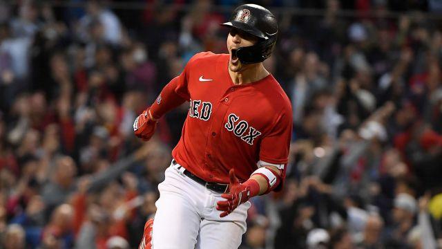 Boston Red Sox outfielder Kike Hernandez